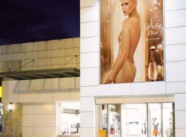 led-display-shopping-application-pledco